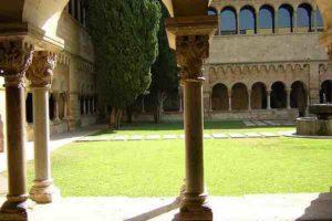 monastery_cloister_-_copie