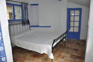 Guest bedroom 1-1