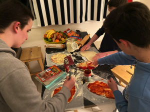 food - homemade pizza